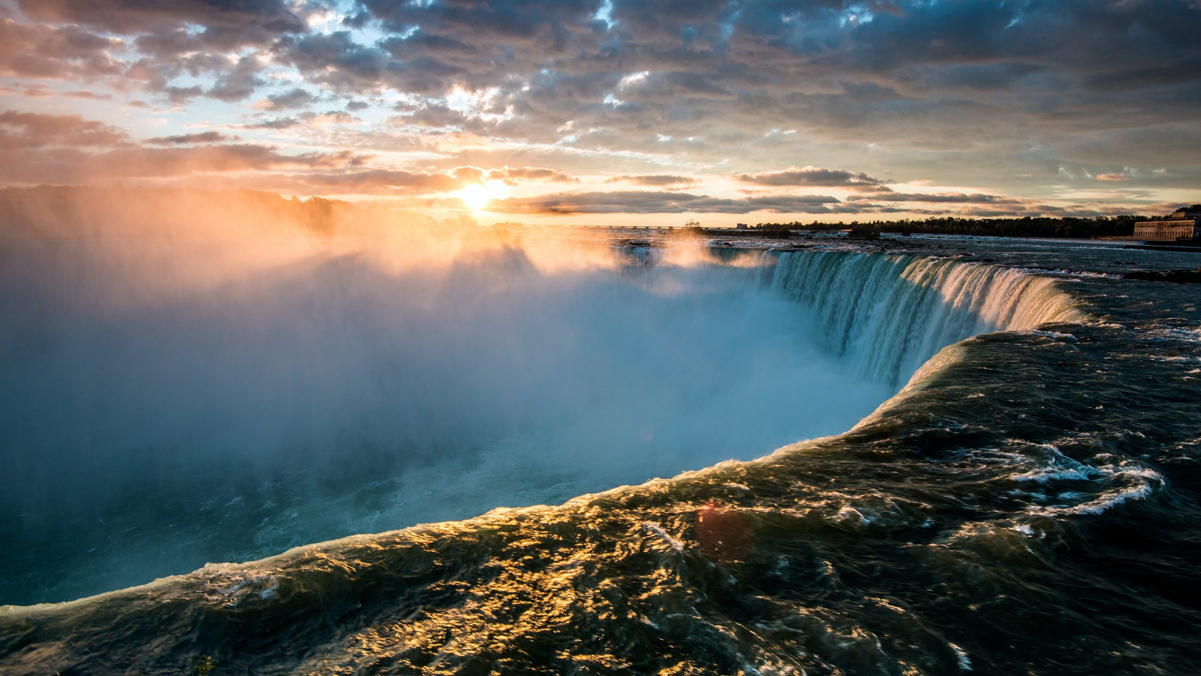 A popular destination among the natural wonders in the U.S. is Niagara Falls